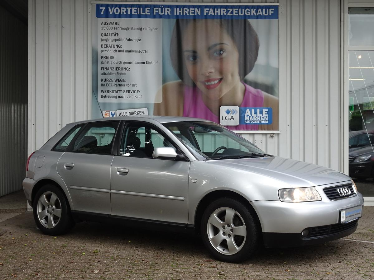 Audi A3  1.8 T 4T/ATTRACTION/APS/SHZ/ALU/KLIMAAUT/TEMPOMAT
