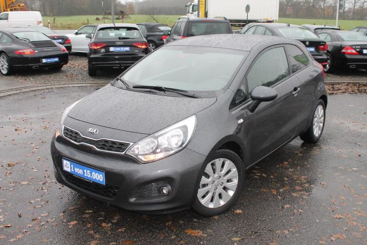 Kia Rio 1,2 Dream Team Edition, Klimaautom, PDC, ALU, Sitzh
