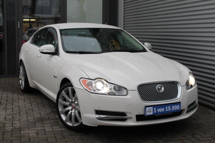 Jaguar XF 3,0 V6 Premium Luxury AT, Leder, Navi, Xenon, PDC