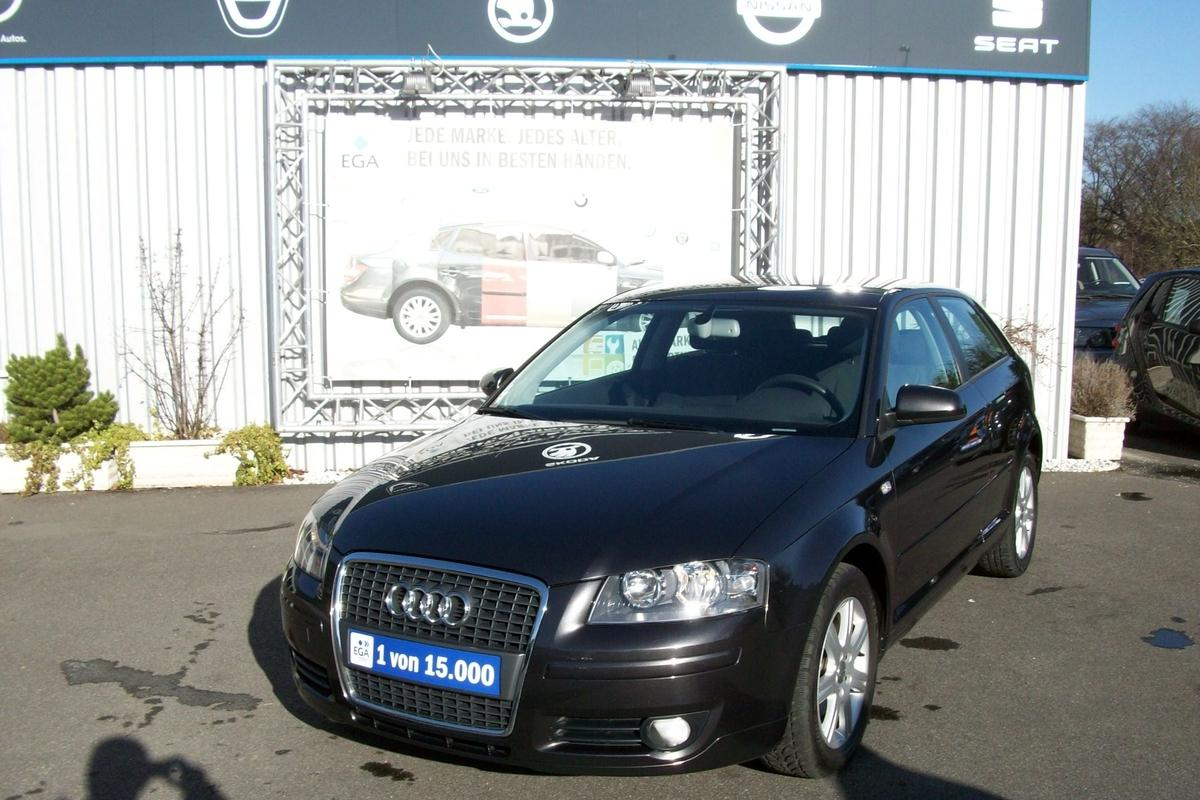 Audi A3 1.6 ATTRACTION KLIMAAUTOMATIK*SHZG*RCD*ALU*